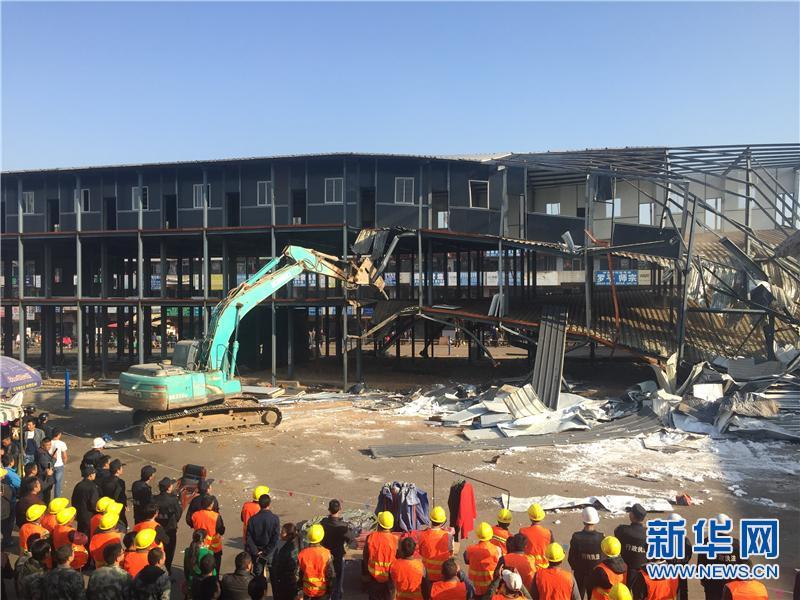 昆明市官渡区强制拆除6000平方米违法建筑
