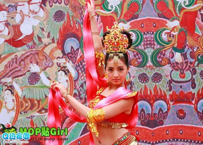 网络图片收藏﹕《维吾尔族美女》 liaodaw