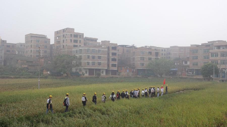 南宁市第四十一中学2013年11月志愿服务活动图片