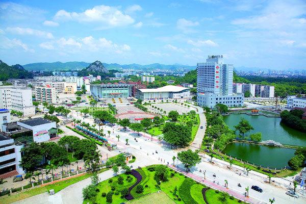广西柳州钢铁(集团)公司(简称柳钢),始建于1958年,是立足钢铁高清图片