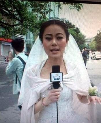 史上最美新娘!雅安女主播穿着婚纱播报震情 - 柔弱的心 - 柔弱的心の博客