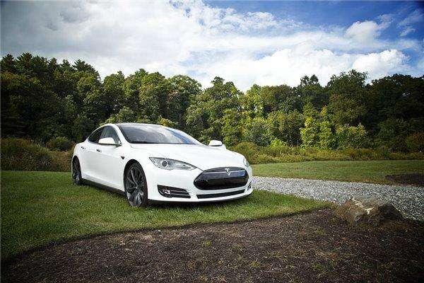新能源汽车频繁起火警示:安全才是重中之重