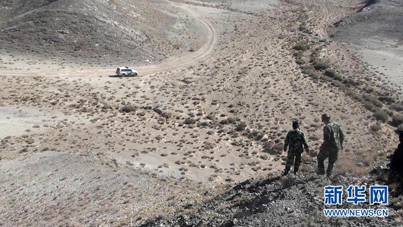 军事营救_突尼斯人设计轮胎形军事救援车