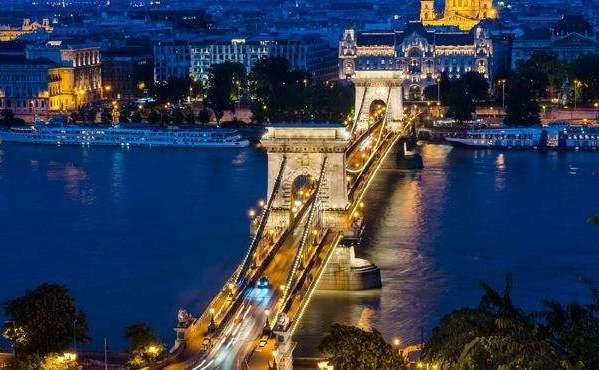 中企在匈牙利投资成果展亮相布达佩斯