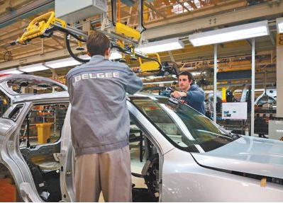 中白合资生产首台吉利博越汽车成功下线