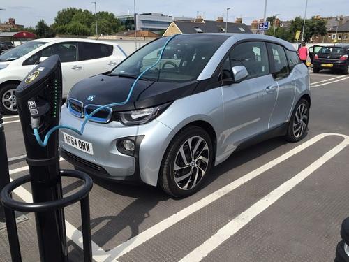 """我国学者研制出""""未来电动汽车电池""""高性能催化剂"""