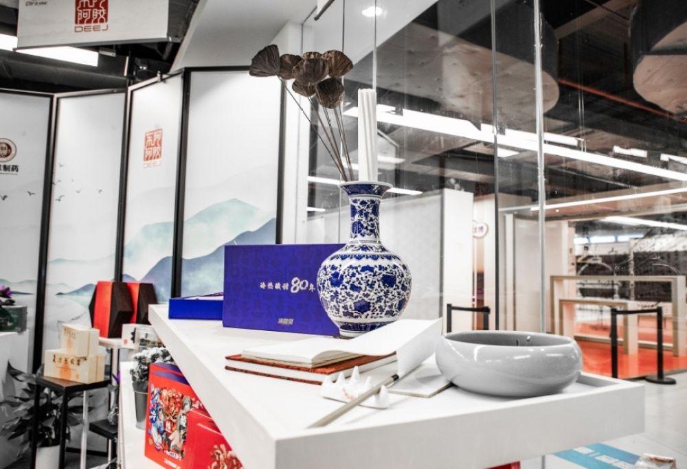 """""""冷热酸甜,想吃就吃"""" 冷酸灵在进博会演绎中国味道的故事"""