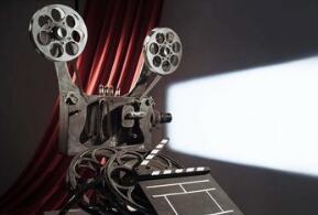 国庆・娱乐 影片、文艺演出满满都是正能量