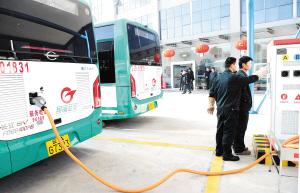 昆明20台纯电动公交车投入140路运营