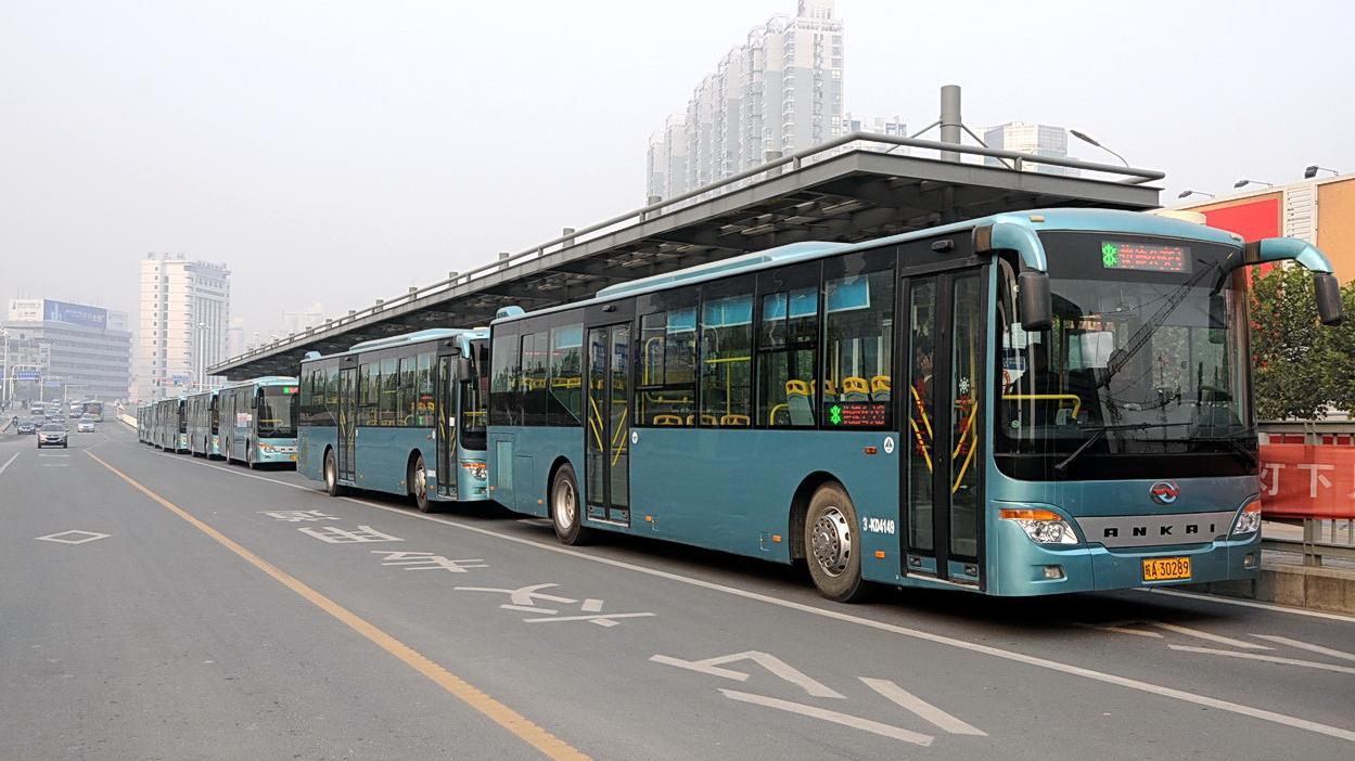 沈阳:公交司机私自改道、越站不停 可罚300元