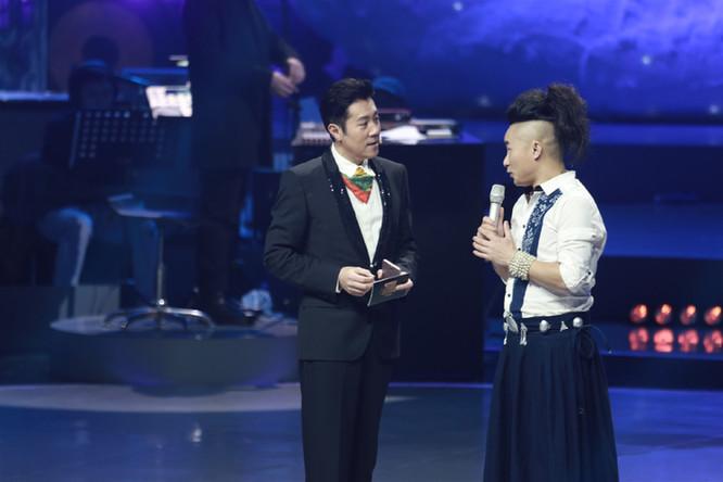 蔡国庆自认不是好歌手 阎维文向苗族歌王讨教艺术