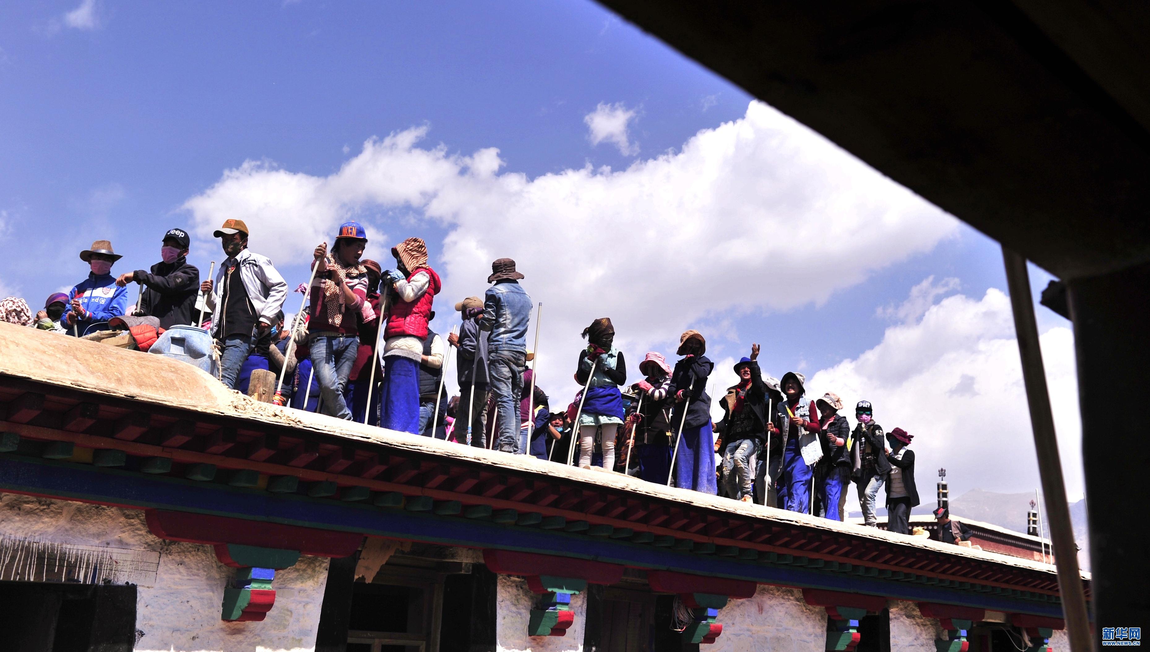 """""""打阿嘎""""——西藏传统建筑工地上的舞蹈"""