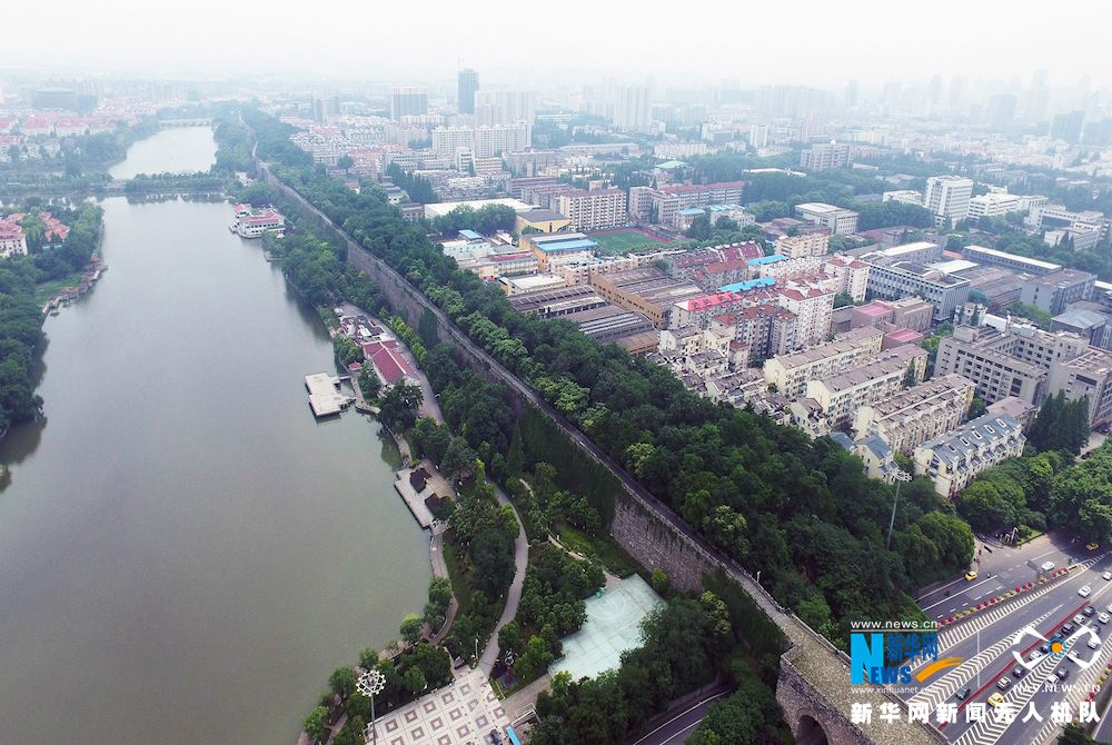 """""""飞阅""""650年历史的南京明城墙 - 人在上海    - 中国新闻画报"""