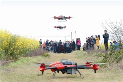 村里有了植保无人机  种地用上高科技