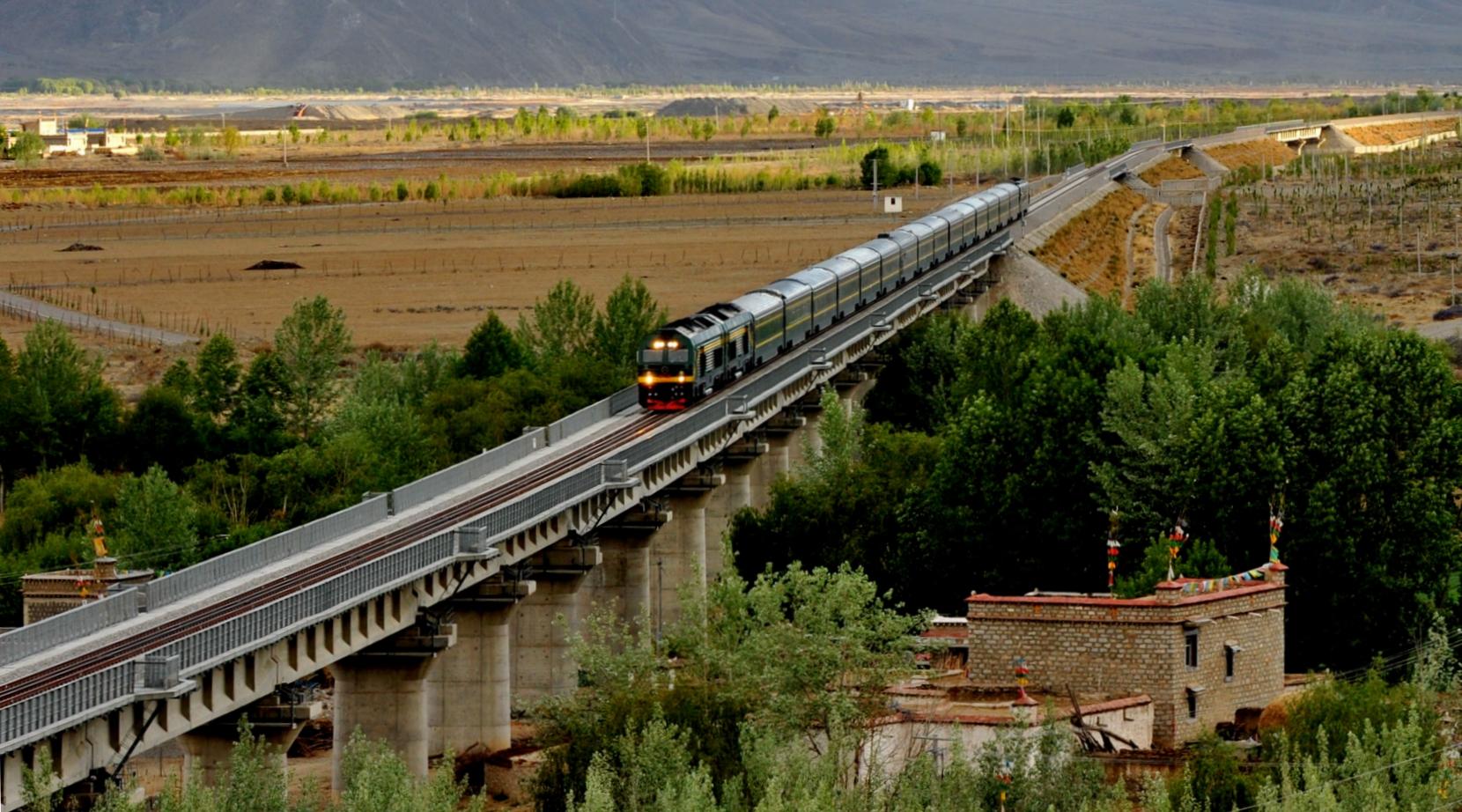 铁路时代的雪域高原——青藏铁路通车10周年