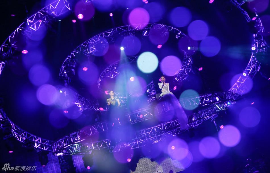 twins LOL世界巡回演唱会上海站 新歌曲特别呈
