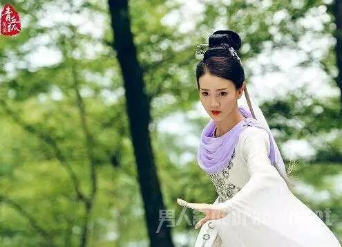 赵丽颖杨幂刘亦菲古力娜扎 盘点仙气十足的白衣女