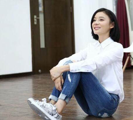 只需一件白衬衫 Angelababy唐嫣刘诗诗等就能美上天