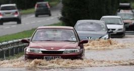 全面解析涉水险:涉水险不是万能的 雨后出险全攻略