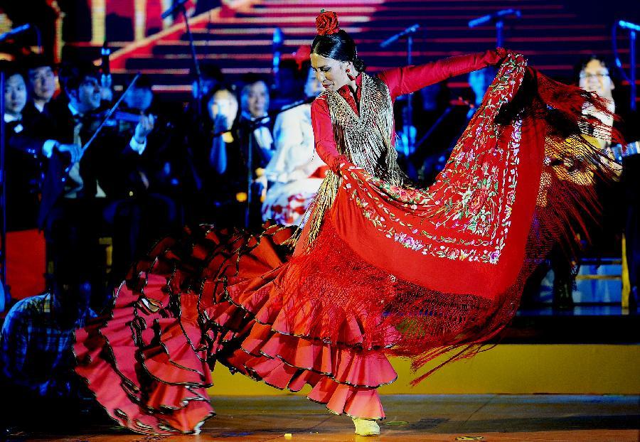 中国、西班牙特色歌舞西安齐亮相