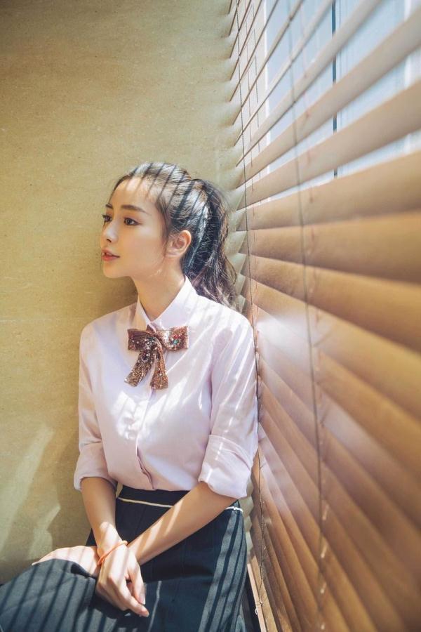 杨颖可爱马尾图片
