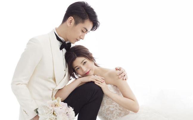 陈晓陈妍希婚纱照 爱情婚姻态度浪漫而坚定