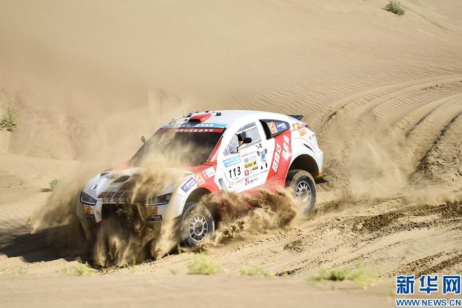 赛车——中国青海湖高原越野精英赛第二赛段赛况