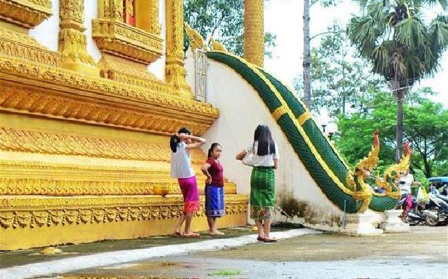 老挝民众庆祝送水节(图)
