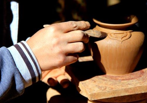 当珍批初:专注制陶38年成尼西黑陶匠人