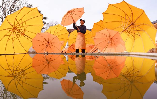 安徽泾县:油布伞——一张文化名片
