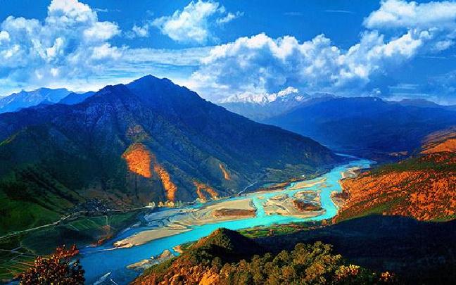 沿着大江去旅行 深度领略云南的万般风情