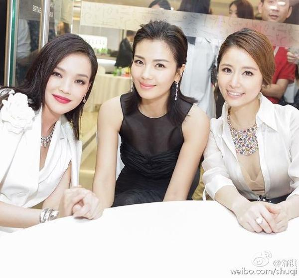 舒淇跟林心如是闺蜜,林心如和刘涛,两个人在拍《还珠格格3》的时候