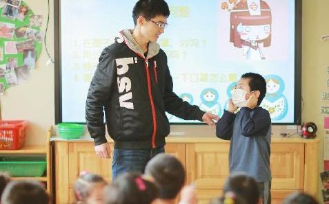 """天津:""""过冬"""" 健康小讲堂走进幼儿园"""