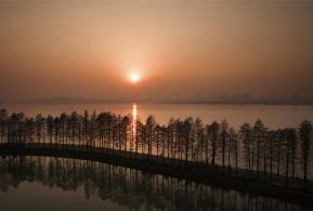航拍武汉东湖绿道