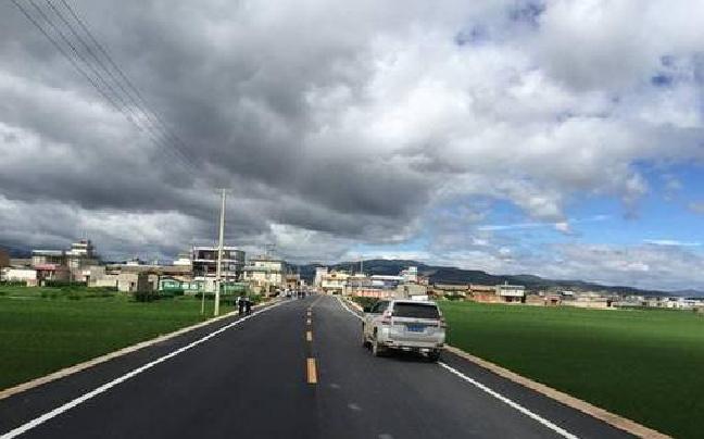 大理祥云县行政村通村公路硬化达到100%