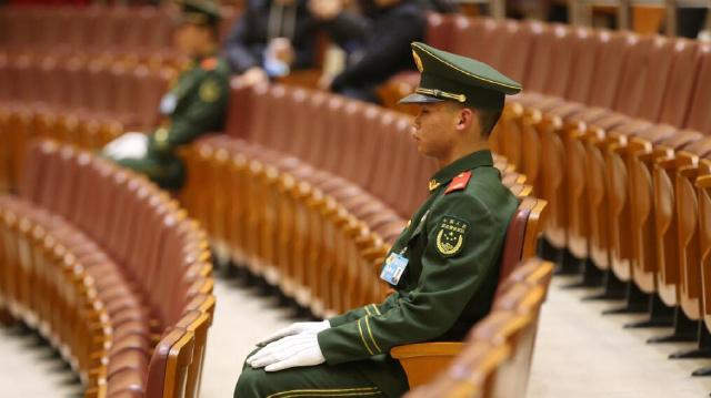 """武警官兵全力为辽宁省""""两会""""保驾护航"""