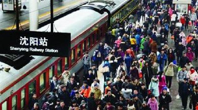 铁路春运迎来客流高峰期