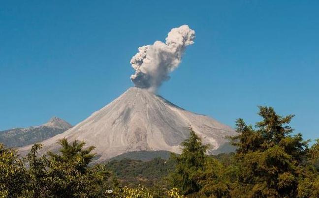 科利马火山喷发
