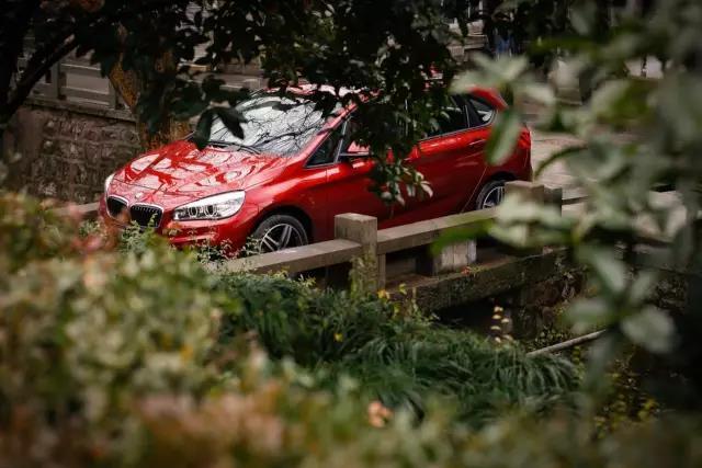 """""""西安五一车展"""":车型选择多 买车更经济"""