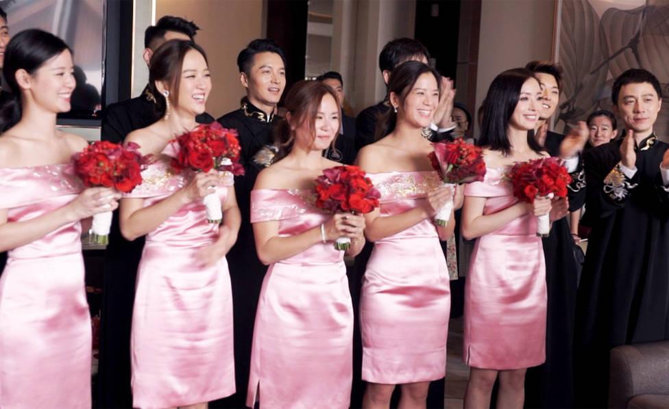 摘要: 陈晓,陈妍希中式婚礼美照大放送图片