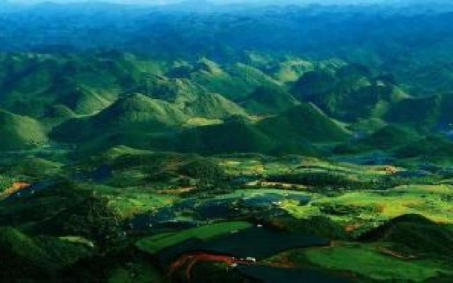 云南:连日暴雨 文山50多条公路受损