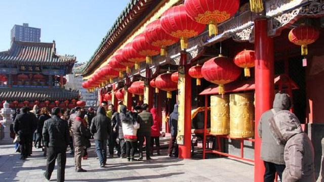 正月初一开逛皇寺庙会