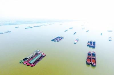 5000艘河南船扎根长江 在外的河南船民盼回乡发展
