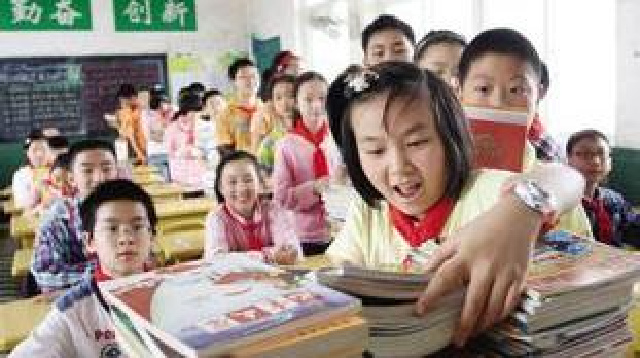 价值13万元书籍捐赠给辽宁省内贫困县
