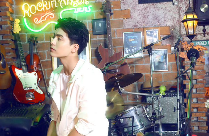 马天宇携手闵泰之打造《黑名单》MV感谢歌迷十年陪