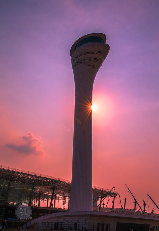 武汉天河机场新航空塔台投入使用