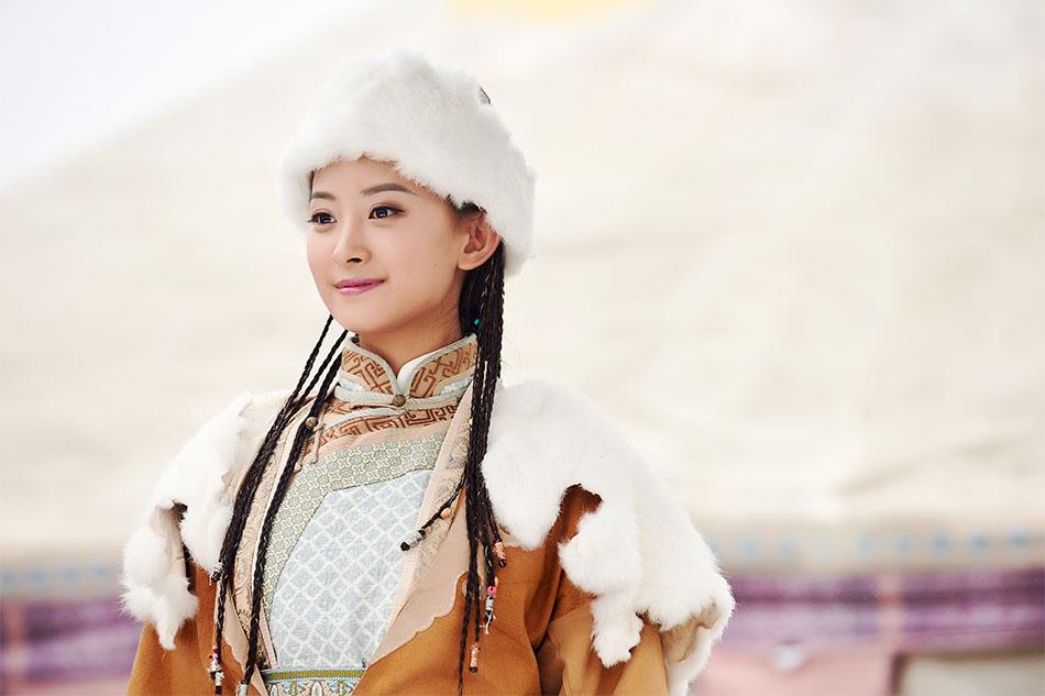 第一次出演电视剧就挑战金庸笔下经典的女性角色华筝公主,让代文雯既