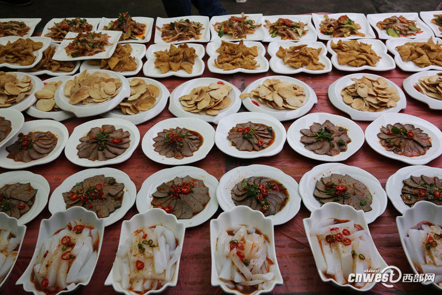杀盛宴吃庖汤陕南石泉腊月里的美食文化年猪琼香洲吉大圣美食图片