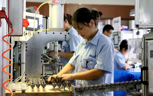 滁州苏滁产业园的安徽胜华波汽车电器生产线