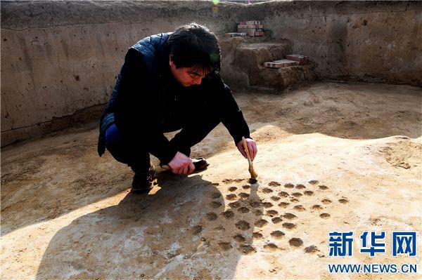 河南郑韩故城首次发现城门和瓮城